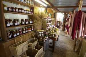 Drakensberg farm stalls and arts and craft shopping outlets